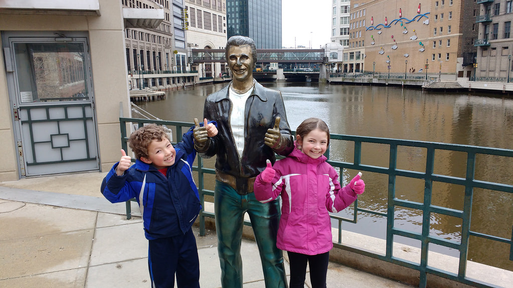 bronze fonz with the kids